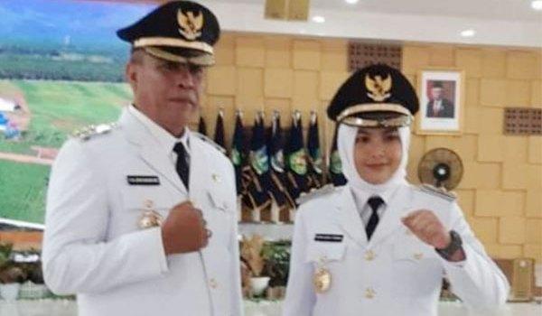 Haji Ja'far dan Atika Bupati dan Wakil Bupati Madina