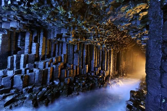 Fingals-Cave-Scotland.jpg
