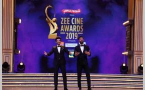 Hosts Vicky Kaushal and Kartik Aaryan