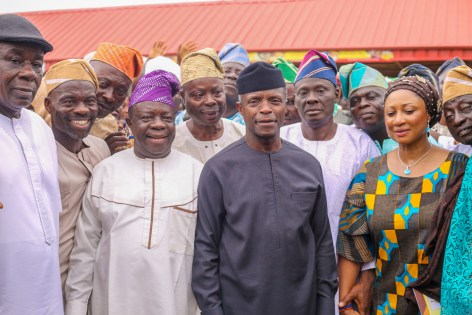 Vice President Yemi Osinbajo, SAN, visits Bola Ige Gbagi Market, Oyo State, where he launches the Trader Moni Program; a Federal Government Enterprise & Empowerment Program (GEEP) for petty traders. He is accompanied by the Deputy Governor Oyo State, Mr. Moses Alake Adeyemo. Photos: NOVO ISIORO. 13th, September, 2018.