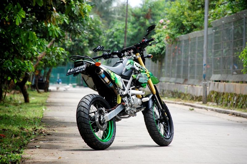 Modifikasi SuperMoto Kawasaki KLX 150