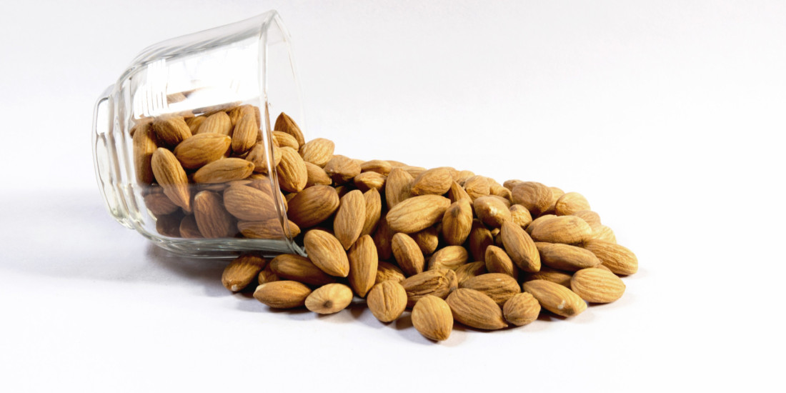 kacang almond kiloan murah