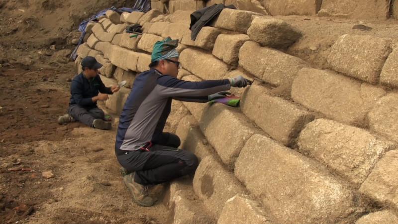 Pemugaran Candi Borobudur Tahap Pertama
