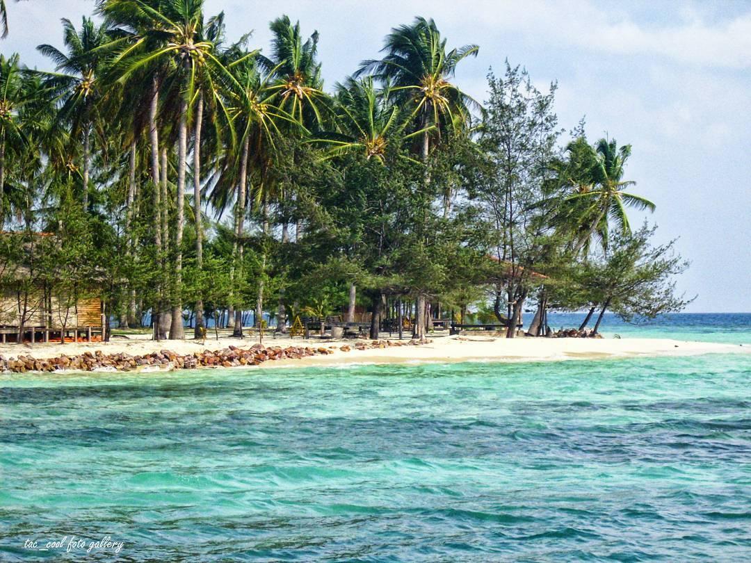 Pulau Cemara karimun jawa