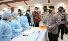 Permalink ke Kapolri Tinjau Vaksinasi Massal di Manado