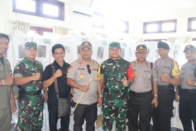 Polresta Denpasar Kawal Pemindahan Kotak Suara ke PPK
