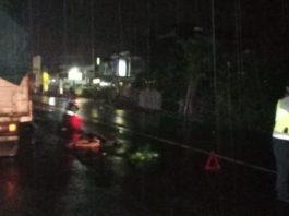 Pengendara sepeda motor mengalami kecelakaan Lalu Lintas di Jalan IR Soekarno, Tabanan