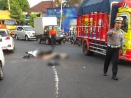 Kecelakaan yang menewaskan Ahmad Kurniawan dijalur Denpasar Gilimanuk tepatnya di jalan tikungan Desa Pergung,Kecamatan Mendoyo Selasa (18/6/2019) sore