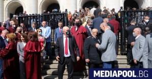 """Гешев отиде на """"бдение"""" в защита на независимостта на съдебната власт"""