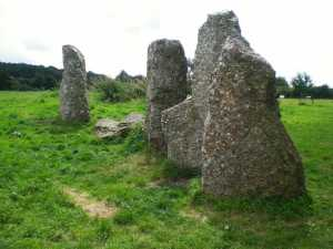 weris-pierres-dressees