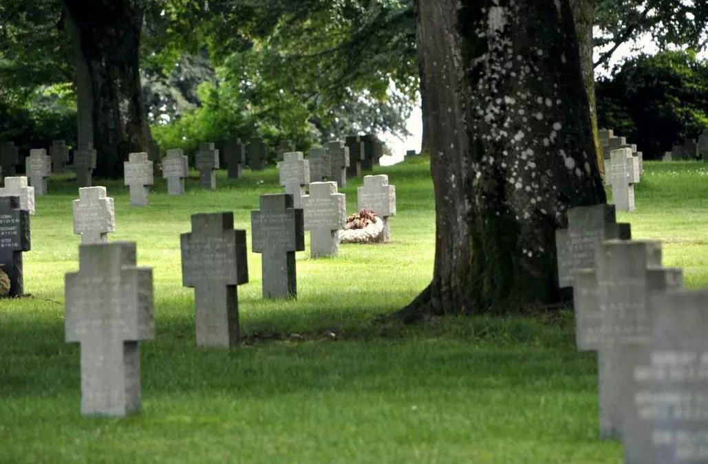 Bataille des Ardennes – Le cimetière allemand de Recogne
