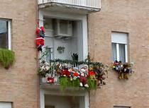 Balconi Esterni Condominio : Condominio:è possibile vietare gli addobbi natalizi sui balconi