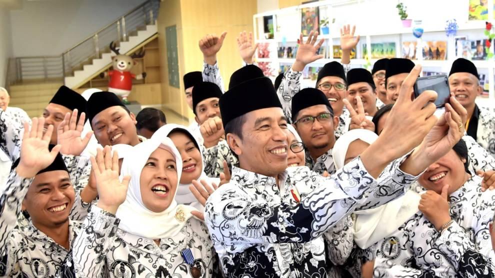Presiden Jokowi: PP tentang Manajemen PPPK Buka Peluang Pengangkatan Guru Honorer