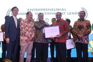 Wali Kota Makassar Kembali Raih Penghargaan Innovation Network of Asia 2018