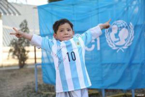 Bocah 'Kaos Messi' Diburu Taliban karena Dinilai Kaya