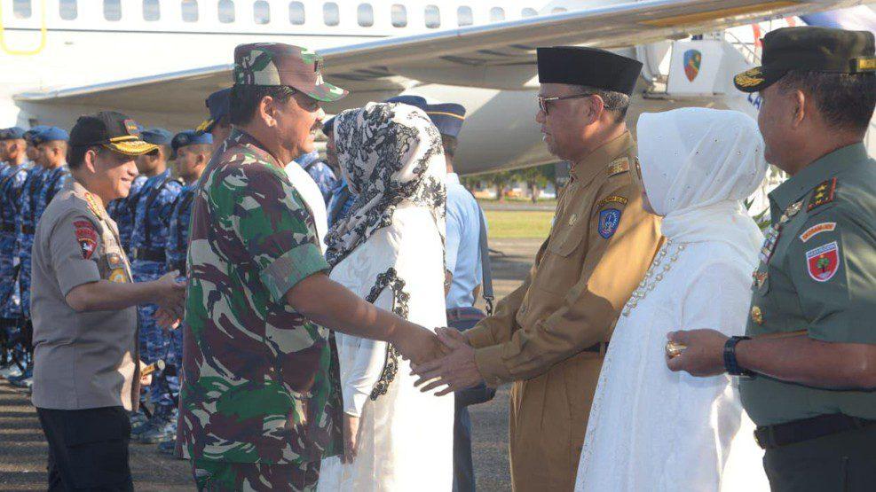 Gubernur Sulsel Jemput Panglima TNI dan Kapolri di Galaktika