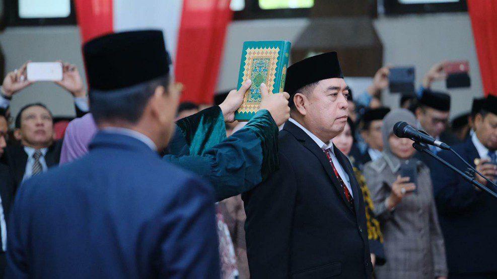 Gubernur Sulsel Lantik Abdul Hayat Gani sebagai Sekda Sulsel