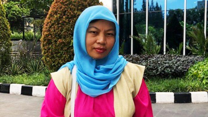 Baiq Nuril Maknun, setelah melakukan wawancara dengan VOA di Jakarta