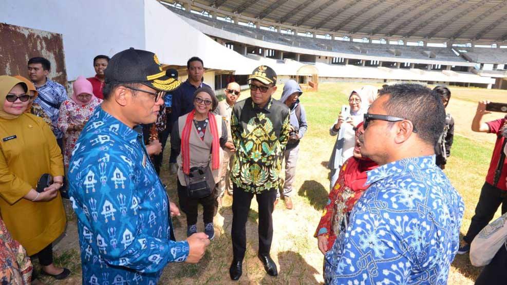 Gubernur Desak GMTD segera Serahkan Sertifikat lahan Stadion Barombong