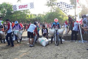 Kejuaraan Motorcross Gabah kembali Digelar di Desa Panaikang