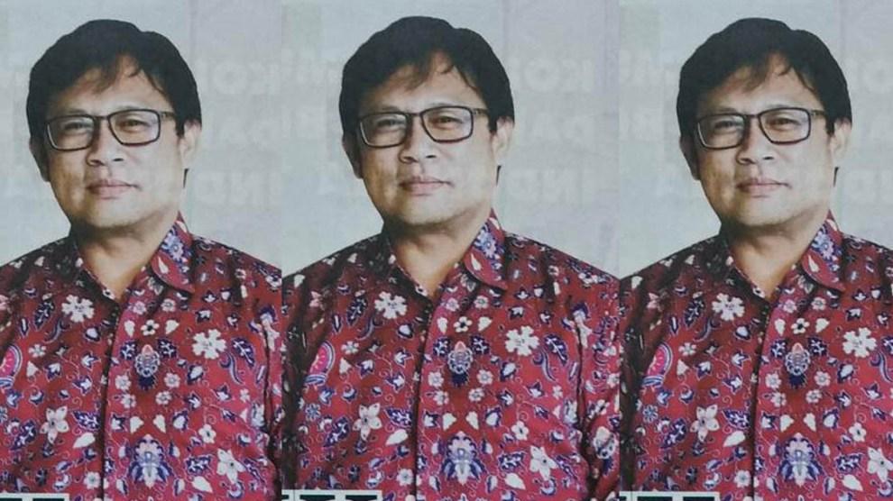 Wakil Rektor Unismuh Jadi Foto Model Baju Seragam di Majalah SM
