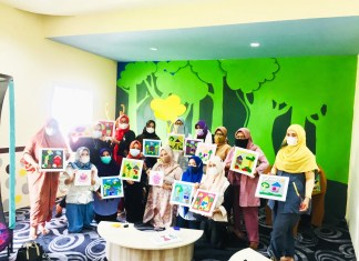 Aksi Nyata! 30 Kader Dekranasda dan Dharma Wanita Sulsel Berlomba-lomba Membuat Masker