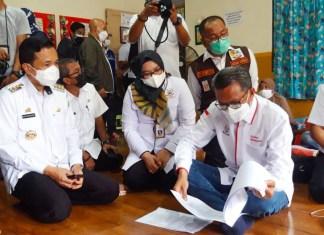 Gubernur Sulsel Pastikan Pengungsi Sulbar Sehat dan Fasilitasi Pemulangan