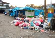 Pedagang Keluhkan Tumpukan Sampah di Pasar Pakalu Bantimurung, Sudah Tebarkan Aroma Tak Sedap