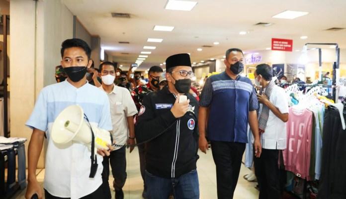 Sidak Mall Panakukkang, Danny Minta Tenant dan Pengunjung Taat Prokes