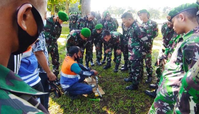 Libatkan TNI, PDAM Latih 200 Personil Yonzipur-8/SMG Cara Ganti Meteran