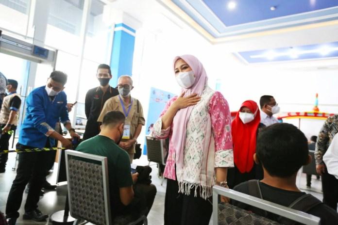 Fatma Pantau Wisata Vaksin Gratis yang Digelar PHRI Makassar