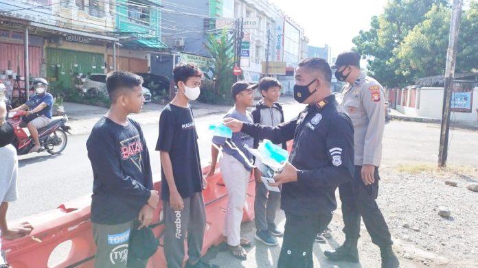 Polisi di Gowa Intens Disiplinkan Warga Gunakan Masker secara Humanis