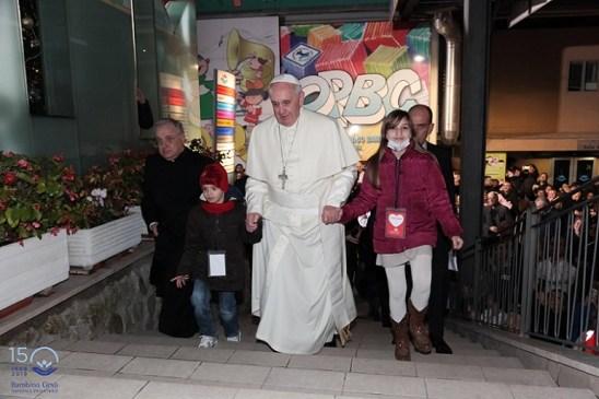Papa Francesco - scala Sant'Onofrio 2013