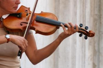 Lady playing violin