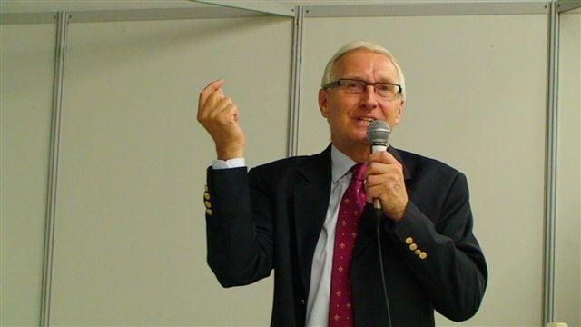 Dr. Philippe David