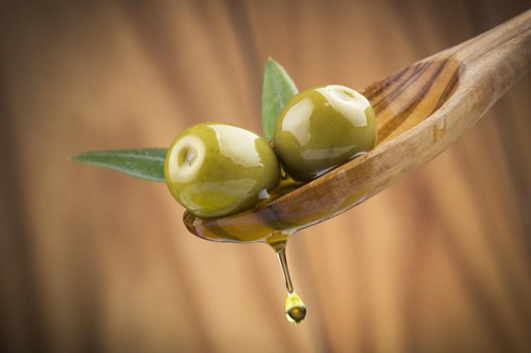 Huile d'olive : oléocanthal tue les cellules cancéreuses en 30 minutes !