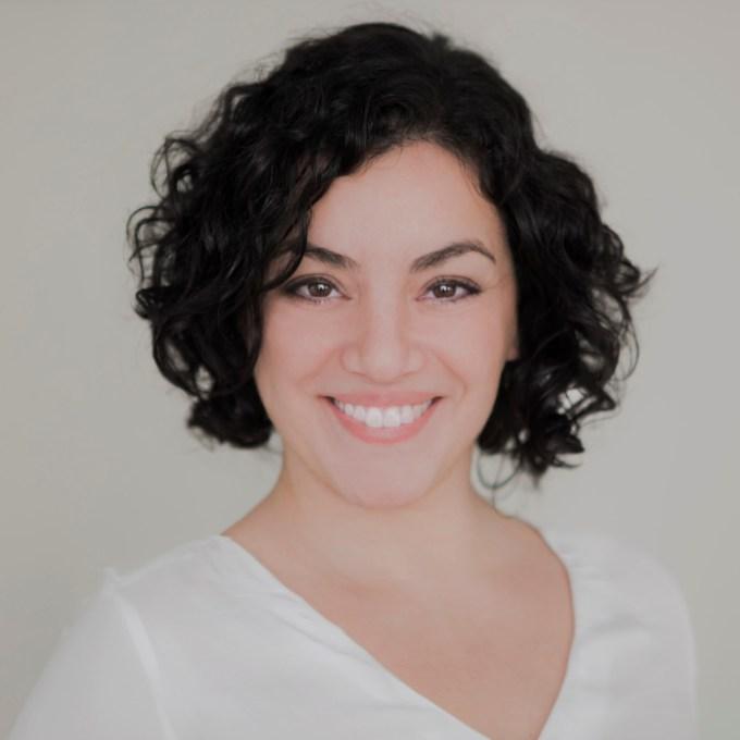 Cindy Méndez Pendavis | Licenciada en Medicina China, especialista en ginecología y fertilidad