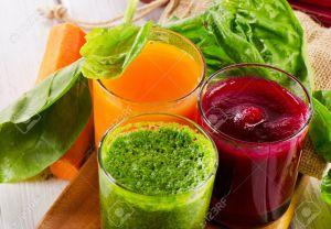 28711419-batido-de-vegetales-saludables-y-jugo-foto-de-archivo