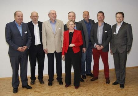 Die Vortragenden und der Moderator (v.l.n.r.): Alfred Grinschgl (RTR), Willi Rütten (European Journalism Centre Maastricht),Albert Schuler (70-jähriger Webmaster), Ingrid Paus-Hasebrink (Uni Salzburg), Gerhard Rettenegger (ORF Salzburg), Christoph Eisinger (Ski amadé), Christian Jakubetz( Journalist), Alexander Meschtscherjakov (ICT&S)