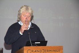 Rektor ved Elvebakken skole, Per Solli, sitter i Faglig råd for MK-faget. Han er bekymret for at søkningen til MK-faget har gått så drastisk ned på landsbasis.