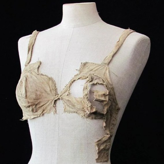 medieval lingerie - photo courtesy University of Innsbruck
