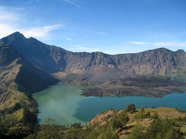 Indonesia volcano on Lombok Island that was the centre of a massive explosion in 1257 Photo by Petter Lindgren/Wikicommons