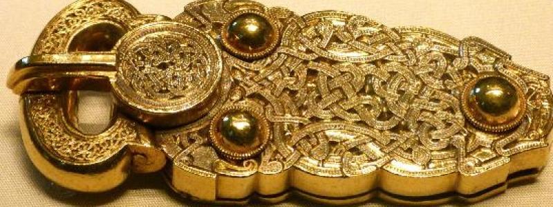 Sutton Hoo gold belt buckle - British Museum