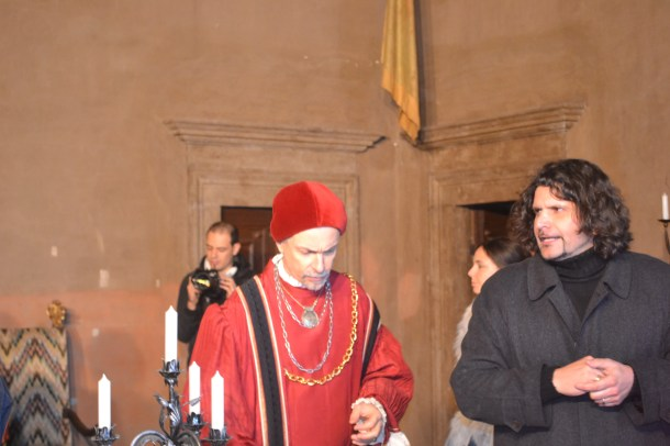 Lorenzo Raveggi with Angelo Maggi on set