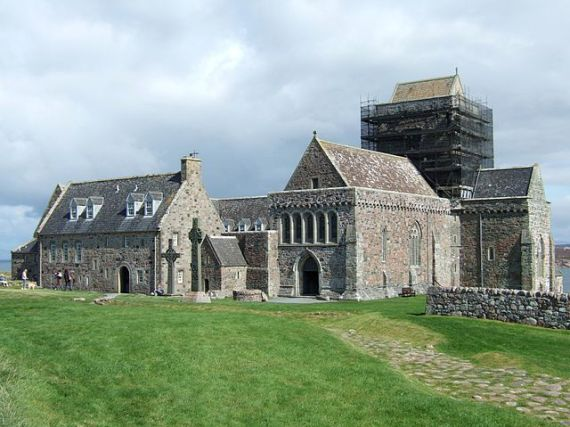 Iona Abbey - photo by Mike Beltzner
