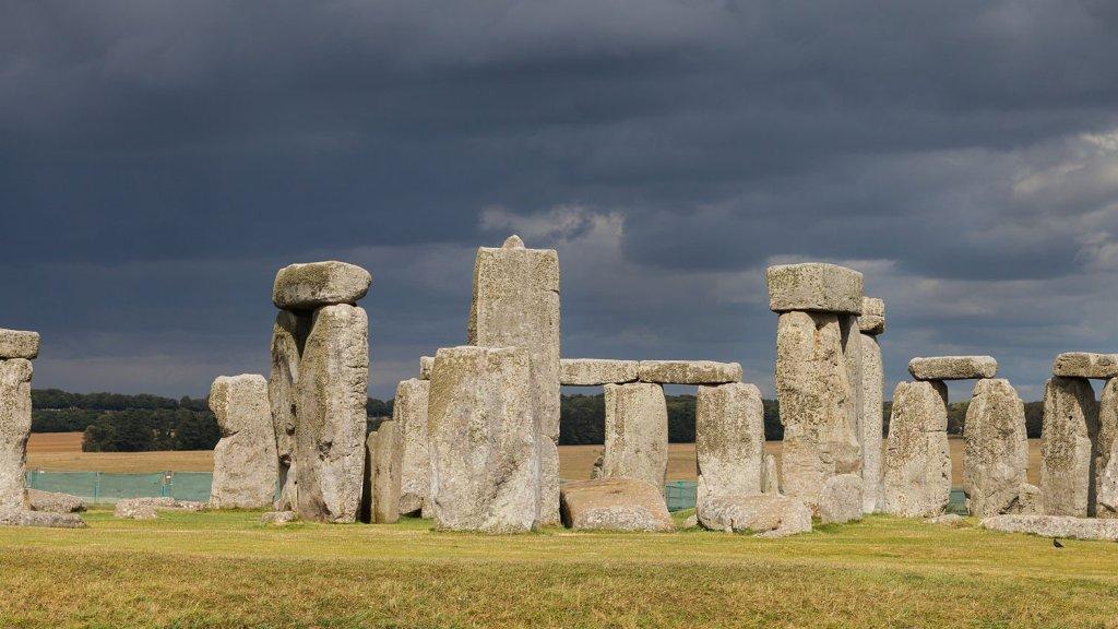 Stonehenge, Wiltshire, England. Stonehenge, Condado de Wiltshire, Inglaterra, August 12, 2014 (Wikipedia).
