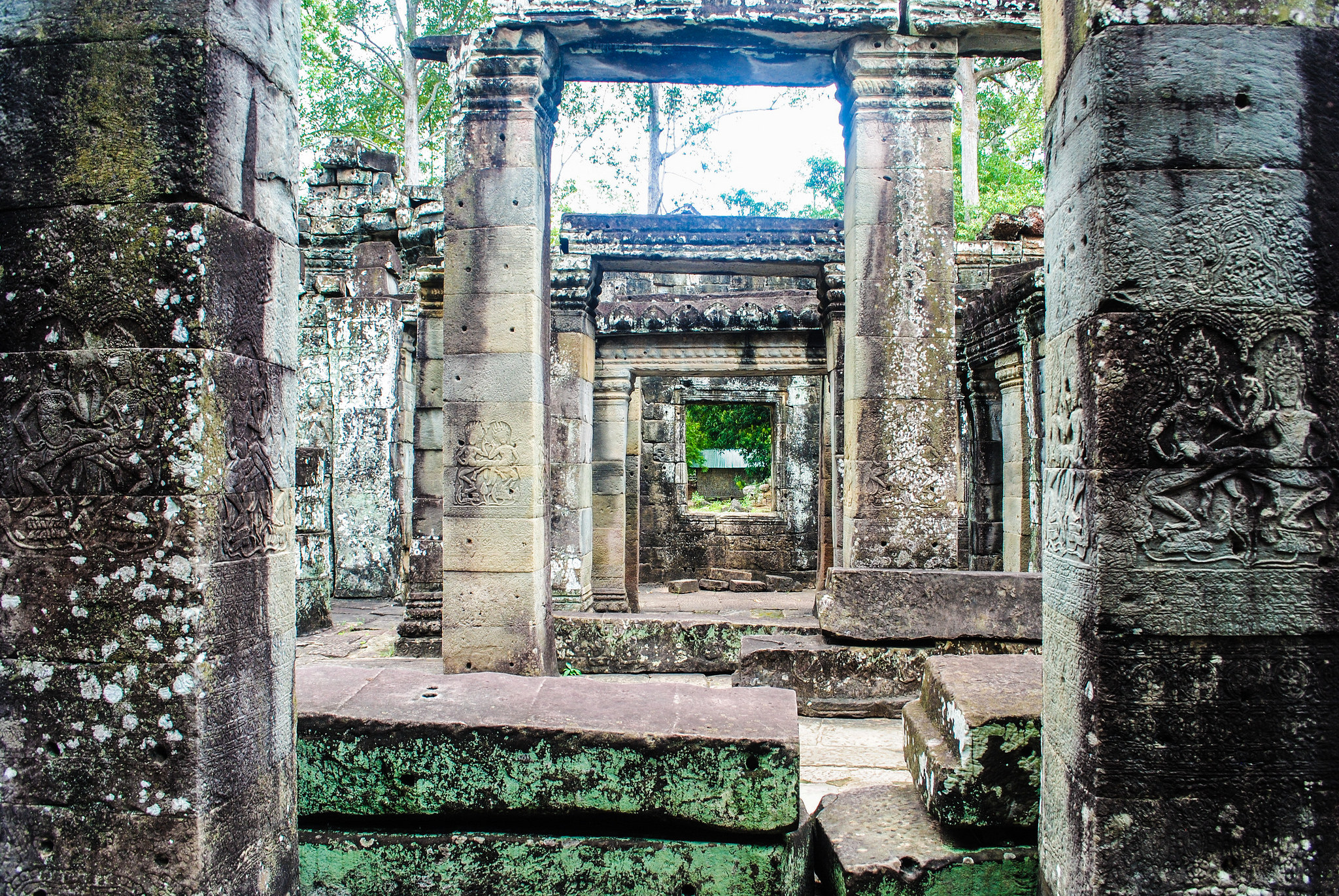 The fall of the Angkor was gradual, not dramatic, researchers find