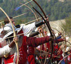https://i1.wp.com/www.medievalwarfare.info/pics/archers.jpg