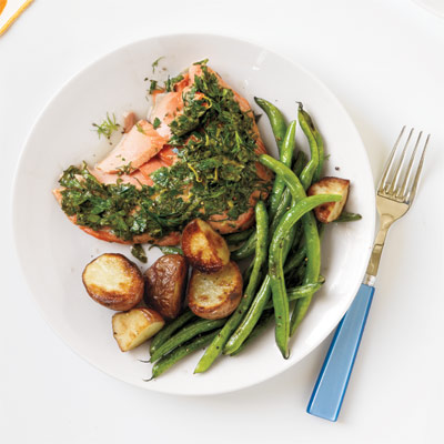54ef90ba4fc22_-_roasted-salmon-potatoes-green-beans-recipe-wdy0912-xl