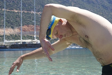 Drew carefully working on the timing of his switch point - at our open-water camp in Kaş Turkey.